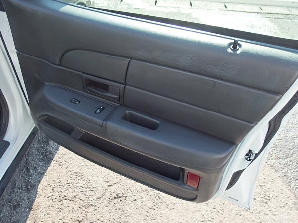フォード クラウンヴィクトリア 2003モデル ポリスカー インターセプター