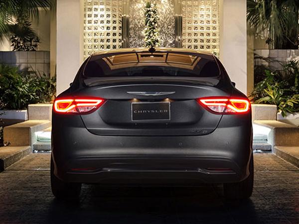 クライスラー 200シリーズ 2015 (Chrysler 200)【中古車】