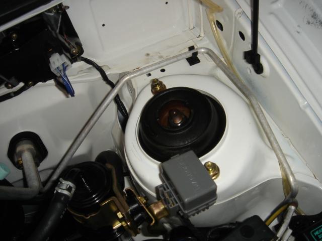 納車前エンジンルームクリーニング