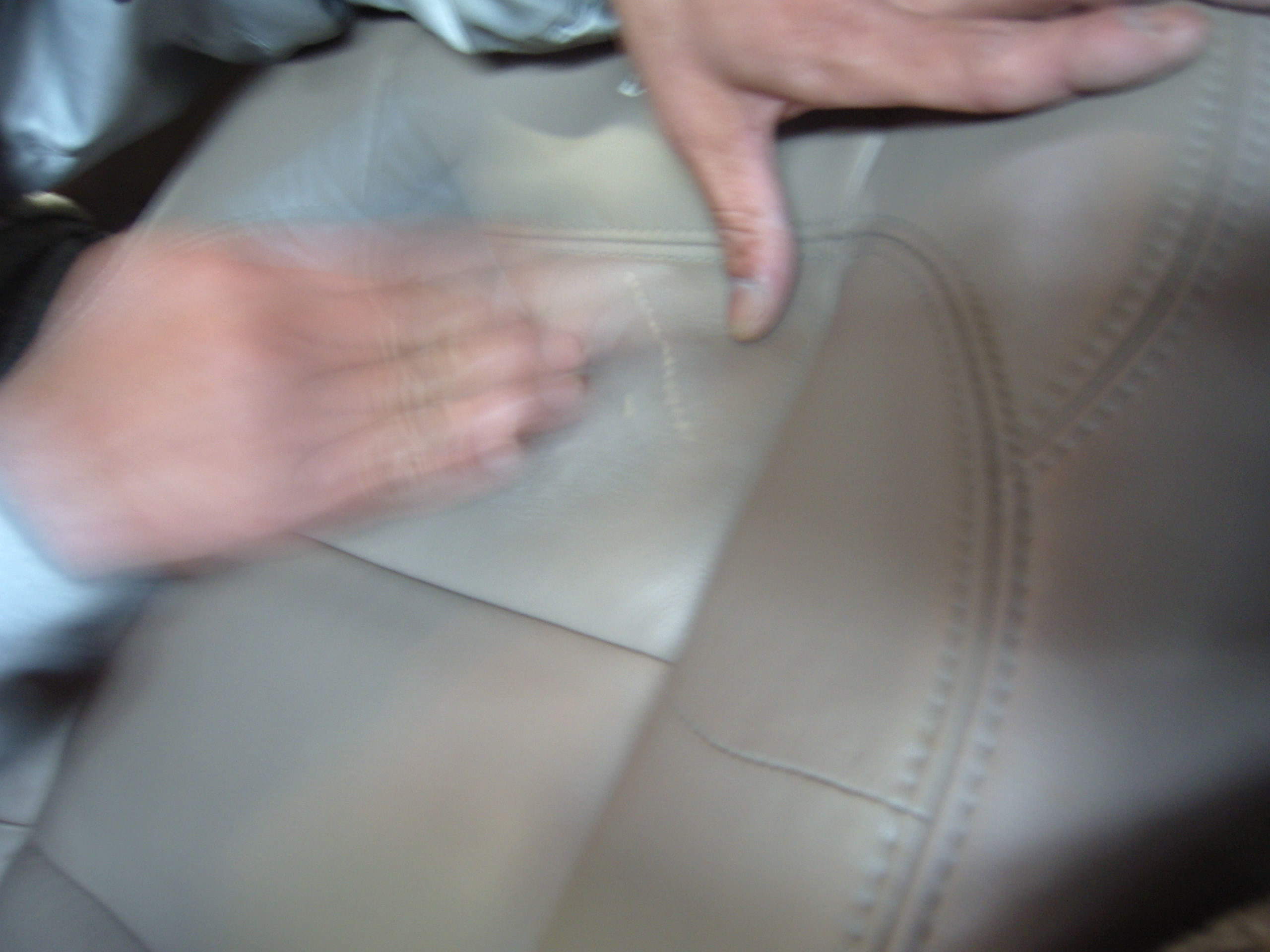 シート引っかき傷修理